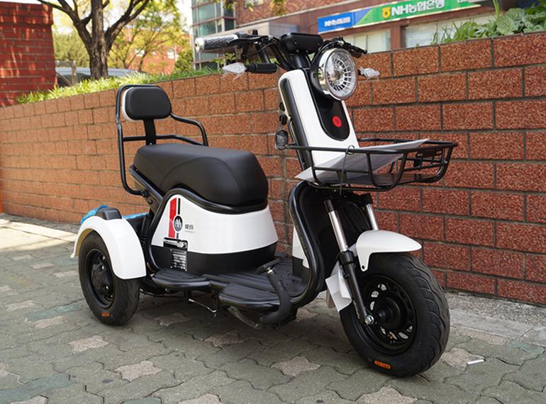 http://bikesale.co.kr/youngcart4/data/file/newbike/2038468185_hE30tIYz_front.jpg